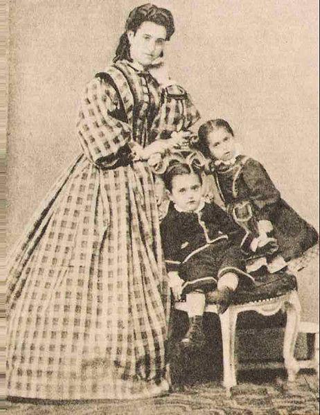 Herzl en su infancia junto a su madre y a su hermana en Budapest.