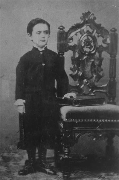 Teodor Herzl con 4 años.